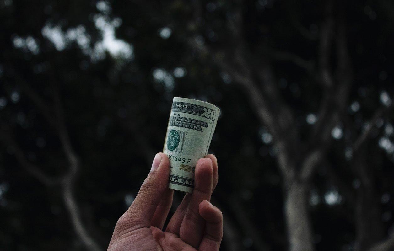 minimalism and debt