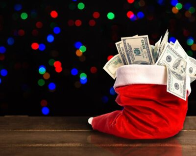10 Merry Ways to Make Extra Money during Holidays