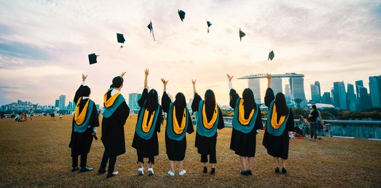 Simplest Way to Consolidate and Refinance your Student Loan
