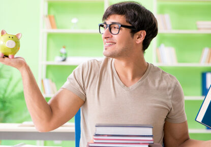 Your Future Self Will Thank You: 5 Best Ways to Save Money on College Books